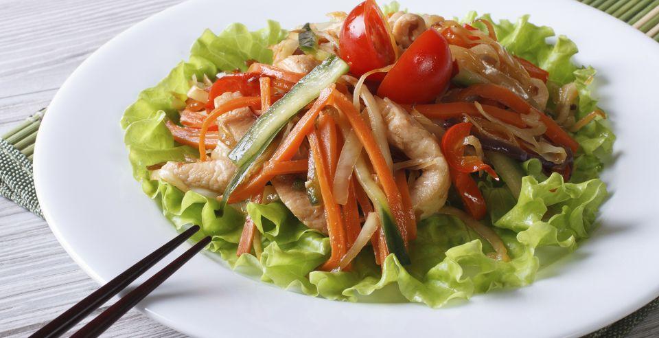 Salade thaï au poulet tiède