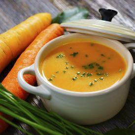 Velouté de carottes aux poireaux et curry doux